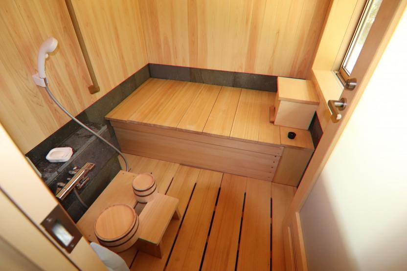 ヒノキの贅沢なお風呂