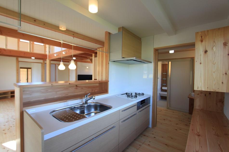 木のぬくもり溢れるキッチン
