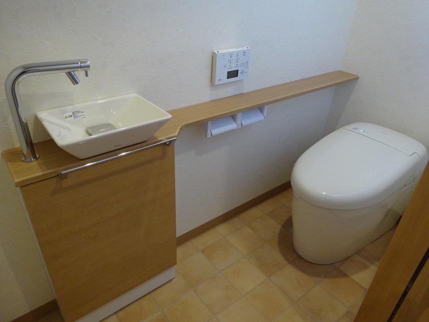 他にも、トイレや洗面脱衣室をリフォームしました。(写真はリフォーム後のみ)